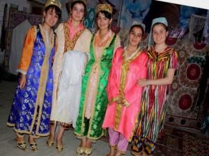 Traditional Uzbek female clothes